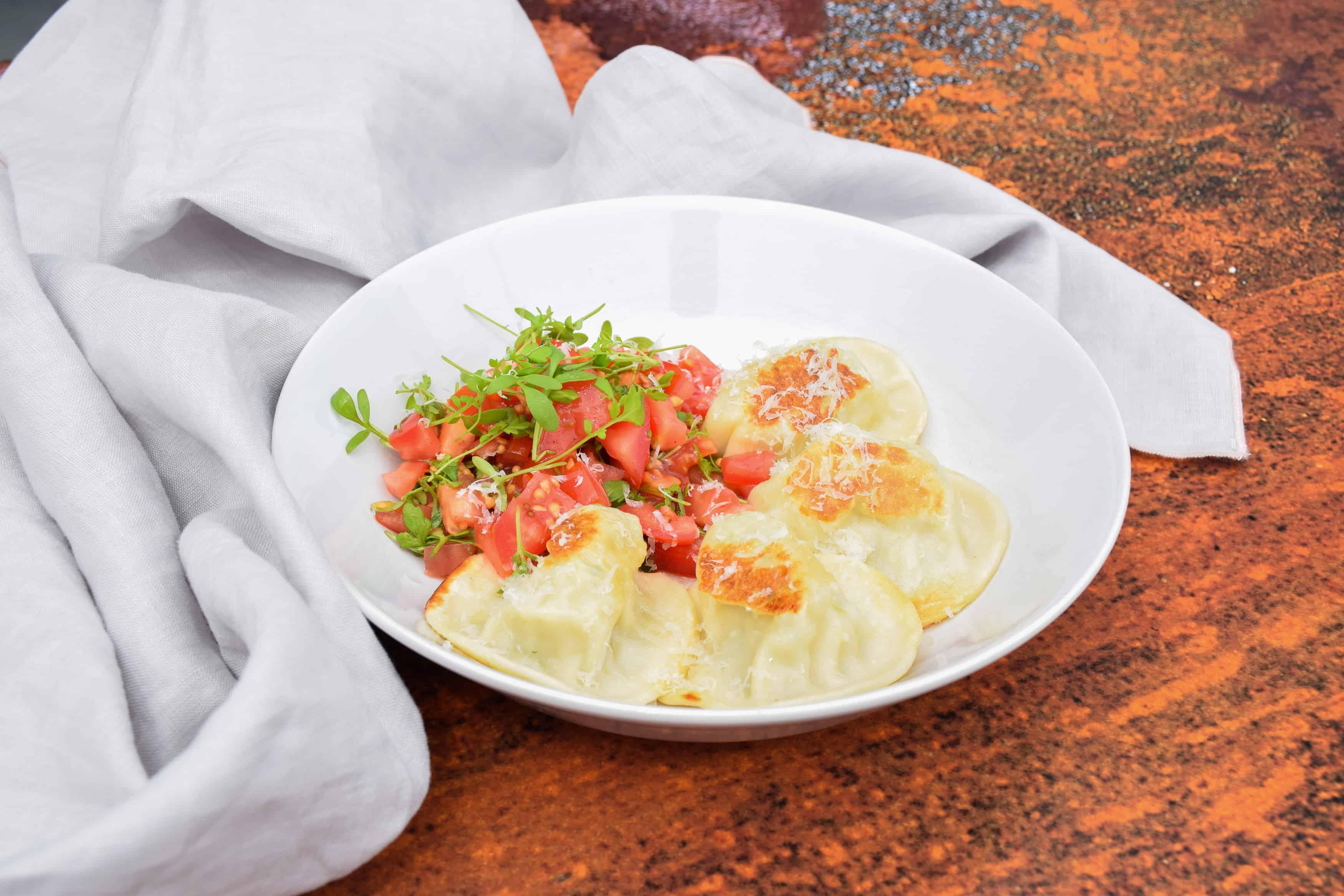 Schafkäse-Tomate-Nudl