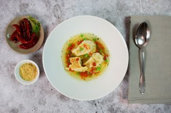Marktgemüse-Nudl in kräftiger Sauce mit getrockneten Tomaten