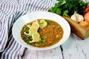 Austernpilz Polenta-Nudl mit veganem Linseneintopf