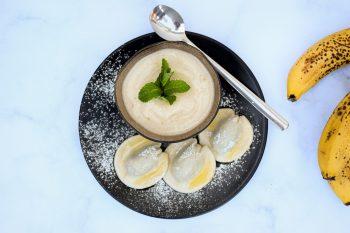 Mohn-Nudl (Mini) mit selbstgemachtem veganen Bananeneis