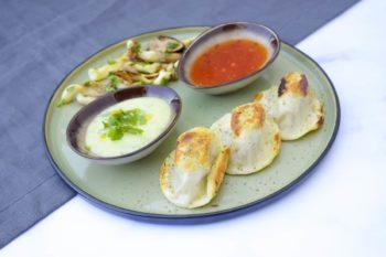 Austernpilz Chili-Nudl mit zwei Dips und Shiitake Pilzen